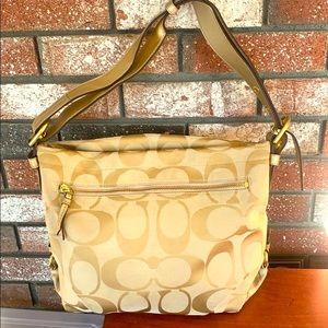 COACH shoulder/slouch signature C Bag